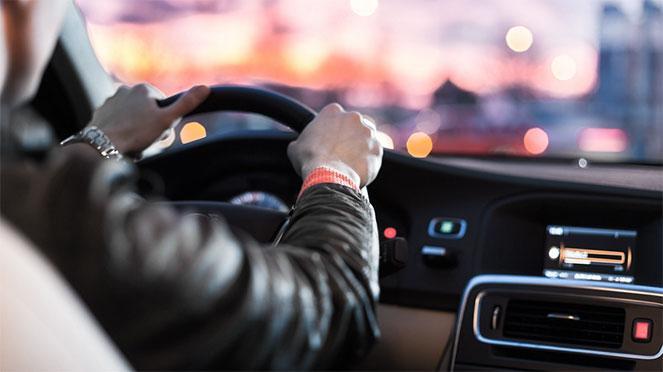 Кто виноват в ДТП при повороте налево на перекрестке или при обгоне