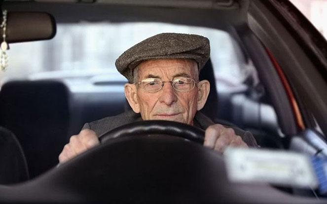 Автокредит для пенсионера: на особых условиях