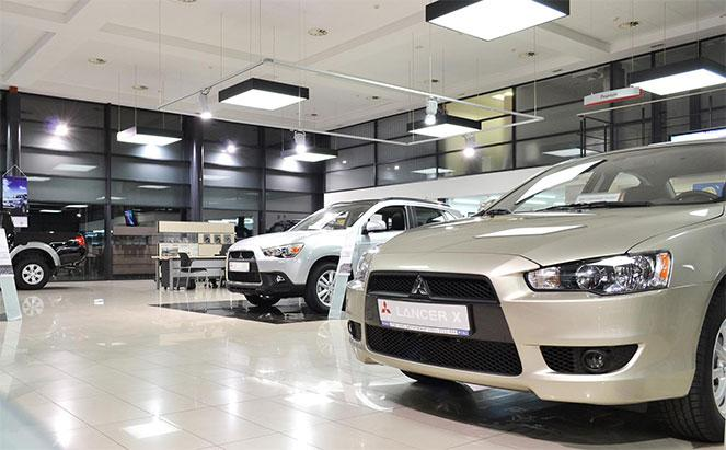 Автомобили в салоне