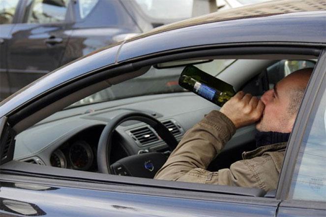 Пьющий водитель за рулем
