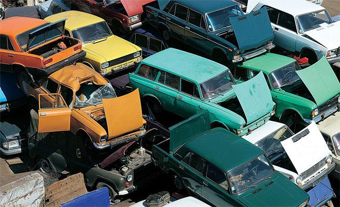 Машины на свалке