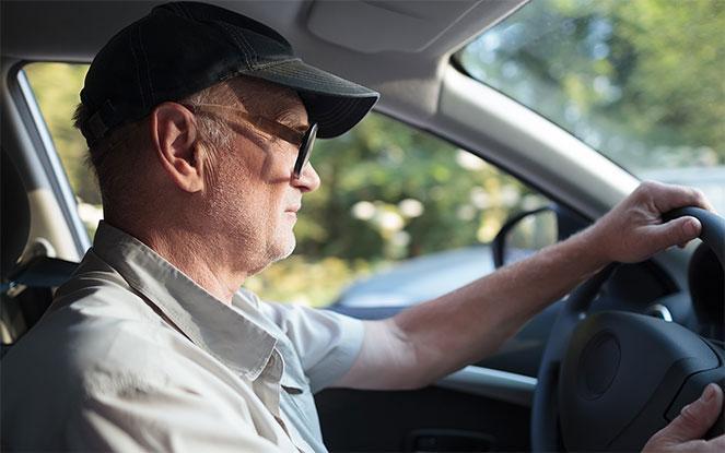 Техосмотр для пенсионеров в  2018  году: льготы, скидки, документы