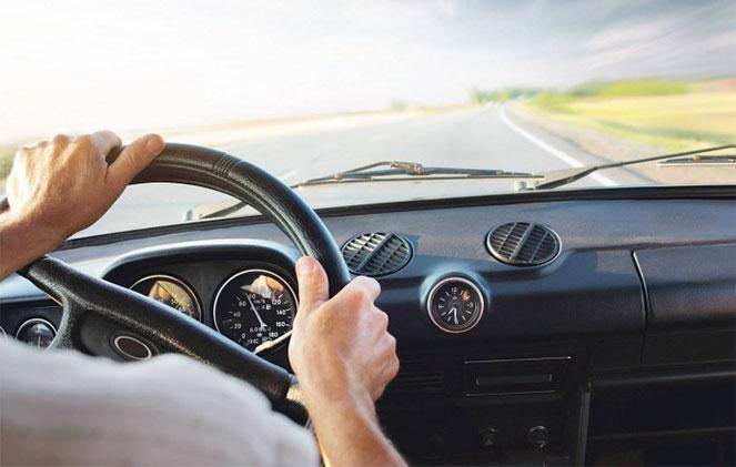 За рулем автомобиля с новими правами
