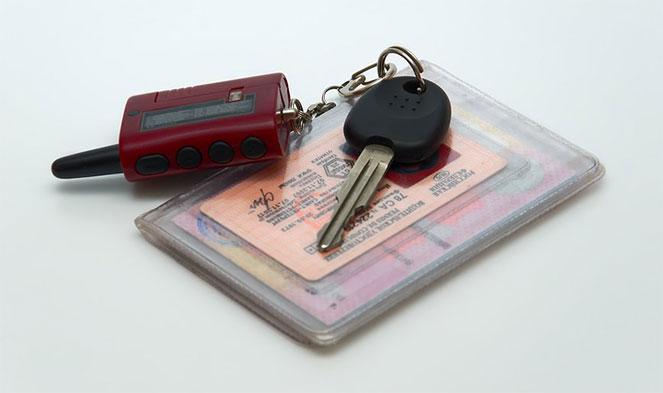 Можно ли использовать водительские права как удостоверение личности