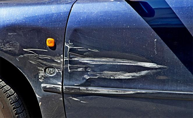 Если на парковке поцарапали машину, что делать в 2019 году