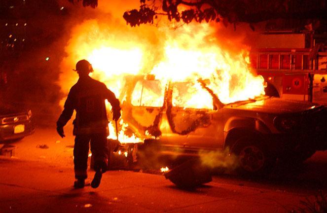 Поджог автомобиля в России, срок и статья УК ответственности в 2019 году