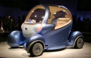 Городской автомобиль NISSAN PIVO