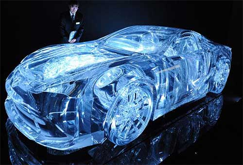 Прозрачный Nissan