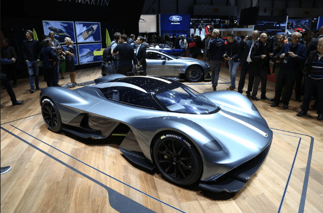 Спорткар от Aston Martin Valkyrie