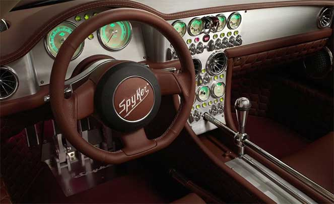 Салон Spyker C8 Preliator