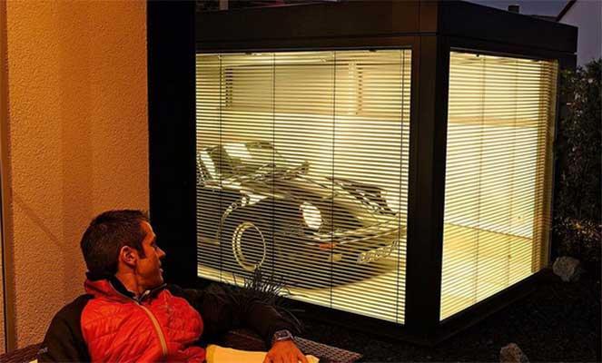 Немец соорудил «комнату» для автомобиля мечты своего отца