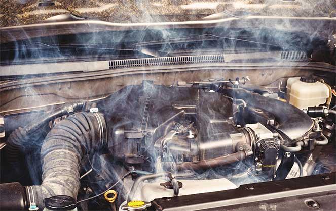 Дым из двигателя