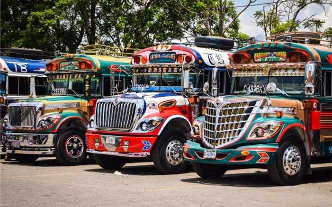 Куриный автобус в Центральной Америке