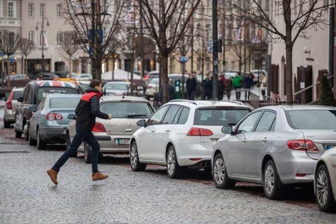 В Вильнюсе автомобилисты в обмен на машину будут бесплатно ездить в общественном транспорте