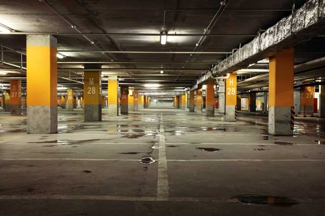 Пустой гараж