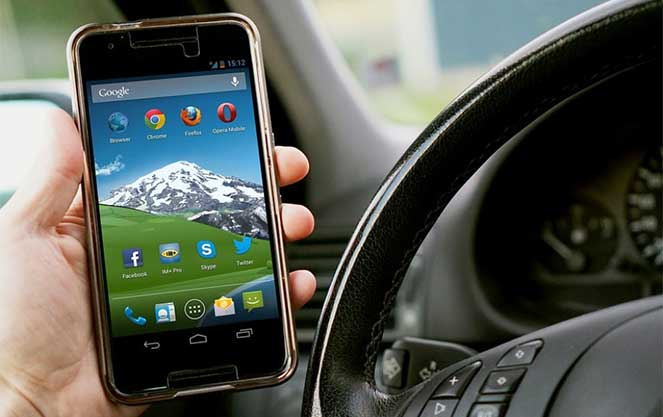 ГИБДД разрабатывает мобильное приложение на смартфоны для регистрации ДТП