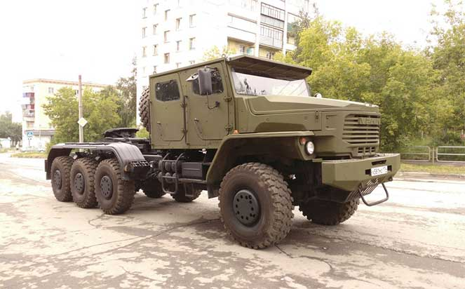 Транспортер тяжелой бронетехники – новенький «Урал» модели 6308