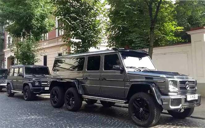 В Украине замечен эксклюзивный шестиколесный «Гелендваген»