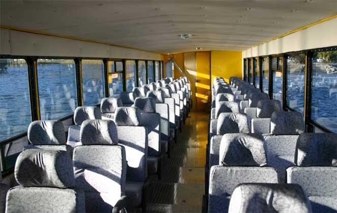 В США создали автобус-амфибию для путешествий по земле и воде