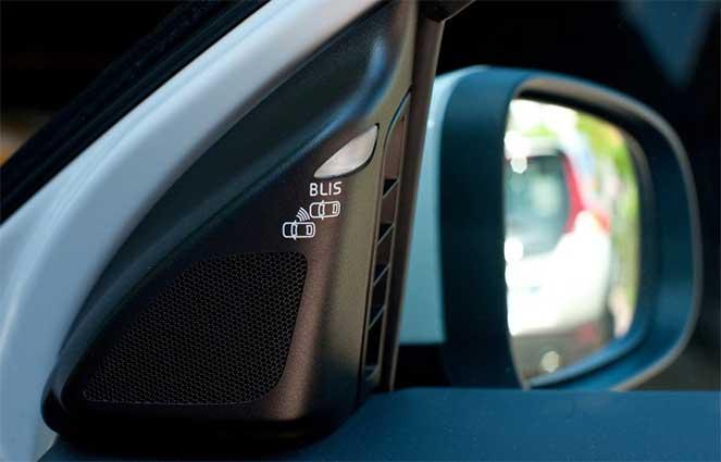 В США выяснили, полезны ли современные системы безопасности в автомобилях