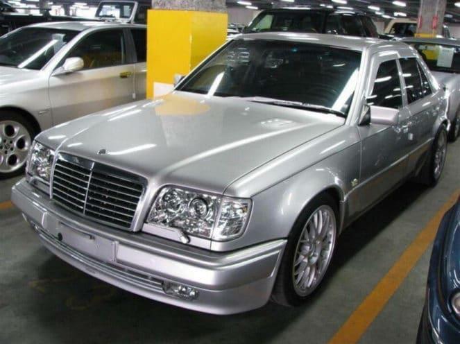 На японских дорогах был замечен эксклюзивный Mercedes-Benz E62 AMG