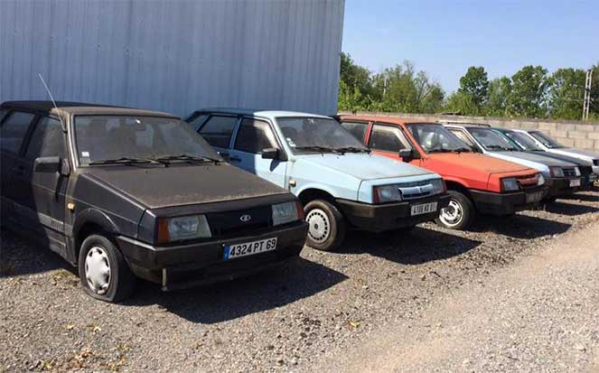 Заброшенный и забытый автосалон Lada обнаружили во Франции