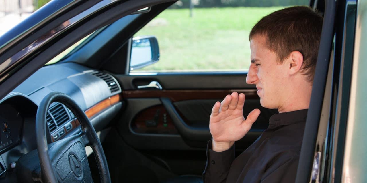 Плохие запахи в авто – возможно, к поломке
