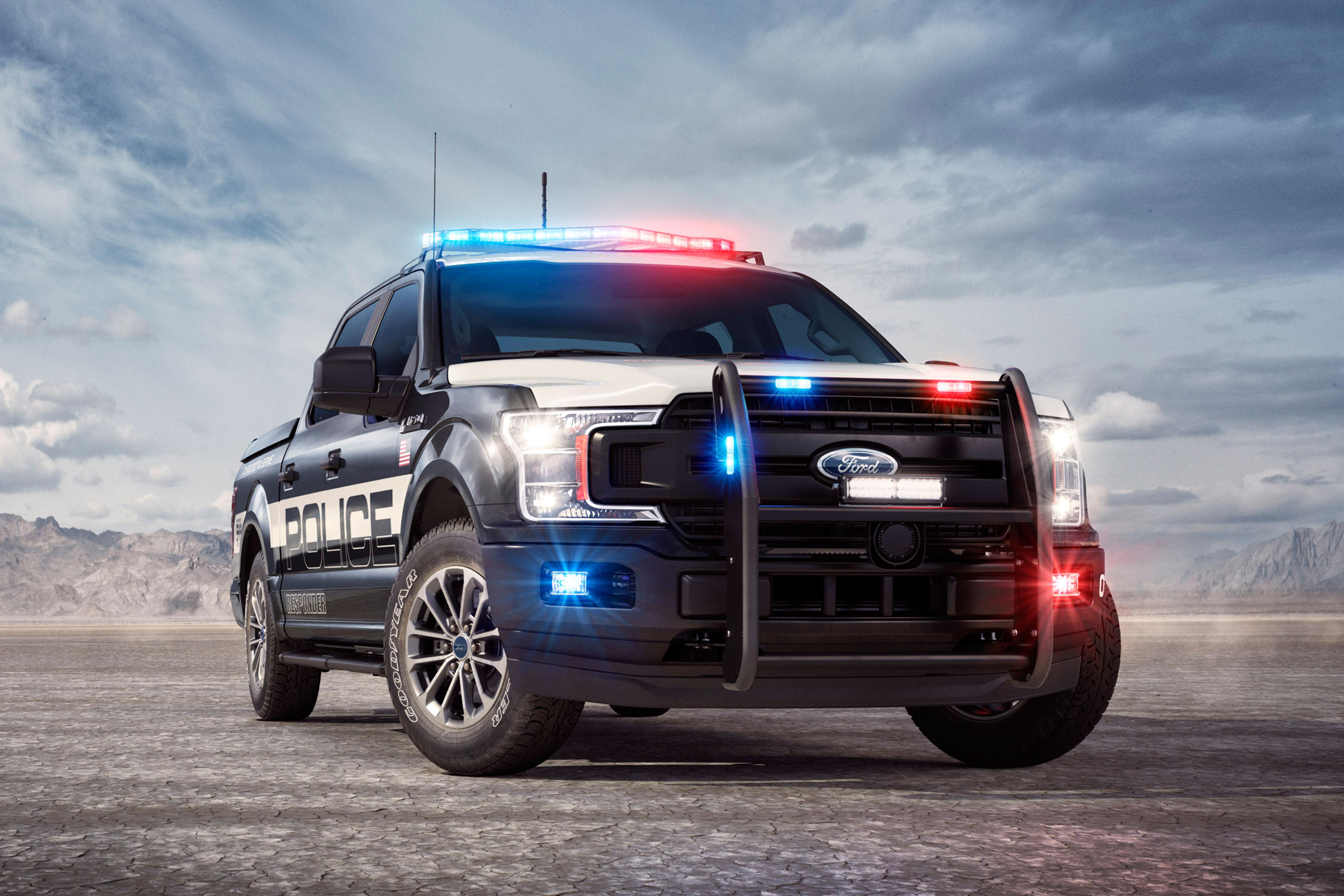 Полицию США снабдят пикапами Ford F-150