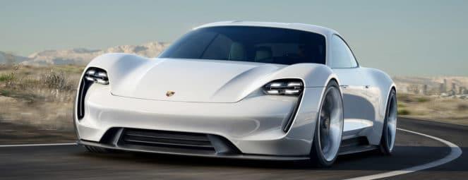 Первые тестирования Porsche Mission E на дороге