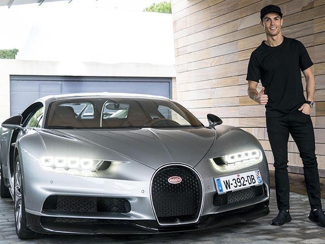 Криштиану Роналду прикупил эксклюзивную машинку от Bugatti