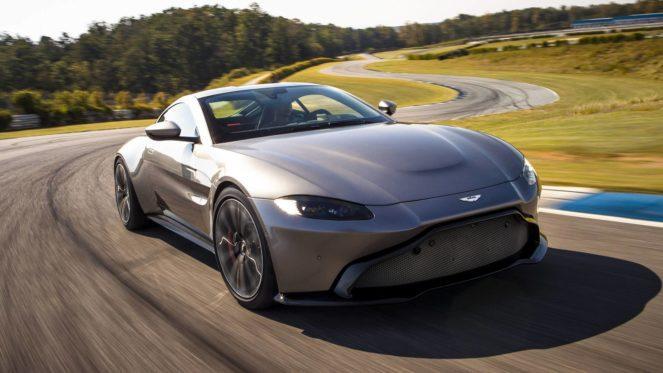 Суперкар Aston Martin Vantage