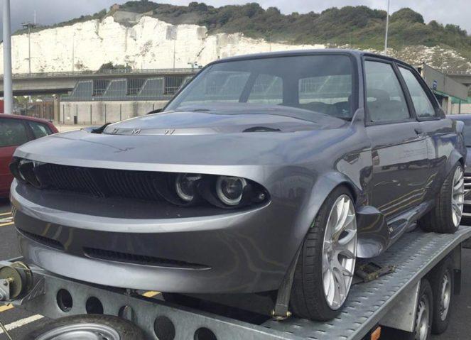 Из BMW 3 сделали машину-акулу