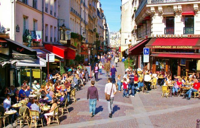 Улица города Париж