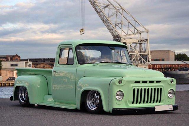 В Европе из советского грузовика сделали необычный пикап