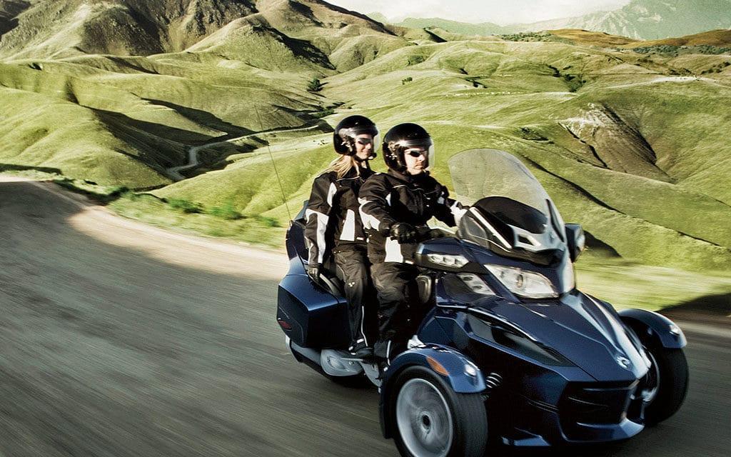 Трицикл Can-Am Spyder RT: новое поколение