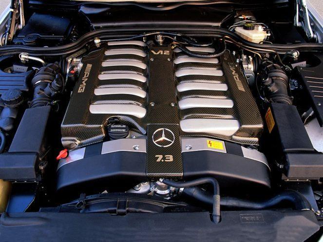 Двигатель Mercedes AMG