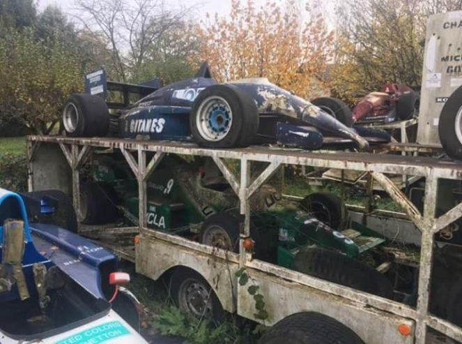 Слабонервным не смотреть! Во Франции обнаружили кладбище болидов Формулы-1