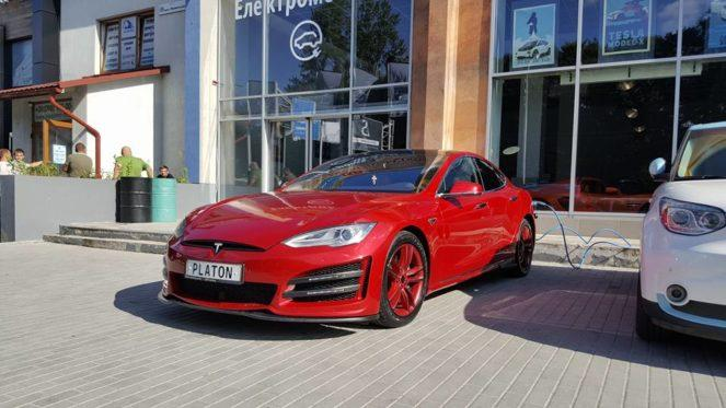 Tesla Model S от гуру тюнинг