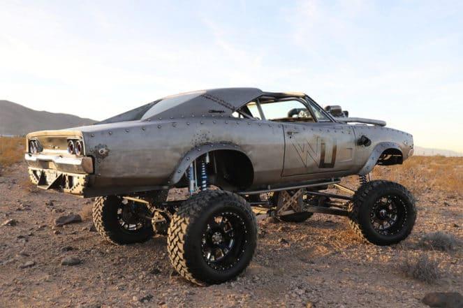 Безумный тюнинг Dodge Charger