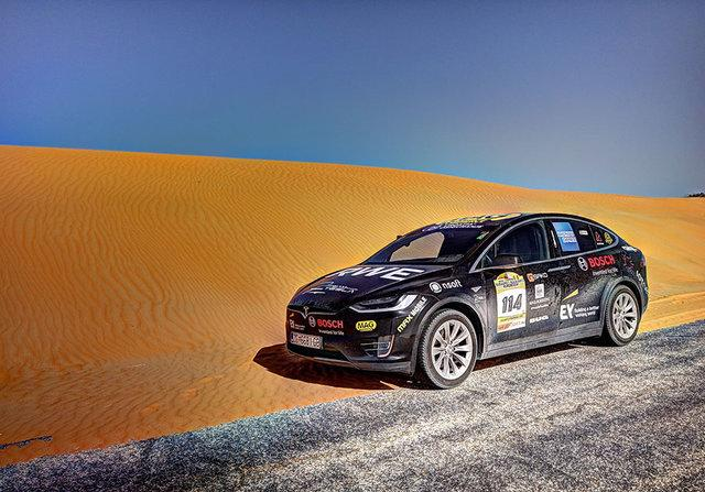 Электрокар Тесла пересек пустыню Сахара