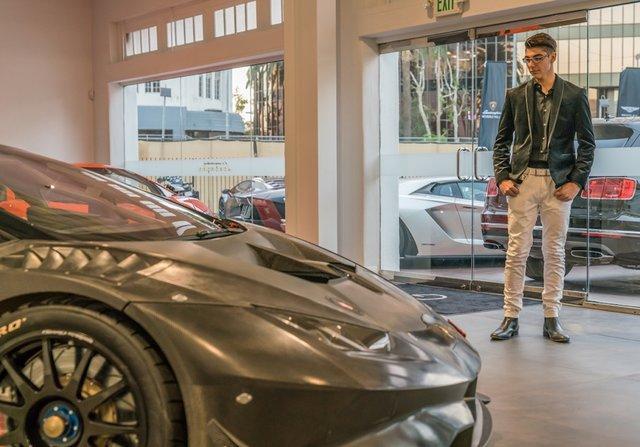 14-летний школьник стал первым обладателем новой Lamborghini Huracan