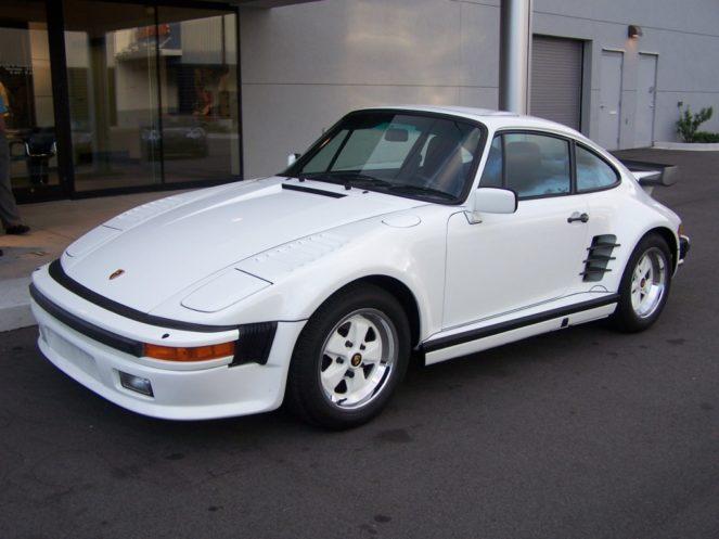 Porsche 911 Carrera Slantnose white