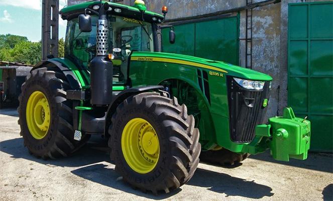 Трактор Джон Дир 8335