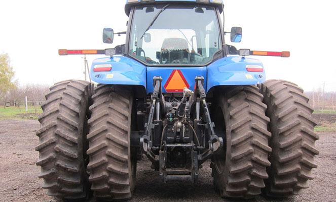 Трактор НьюХоланд Т8040
