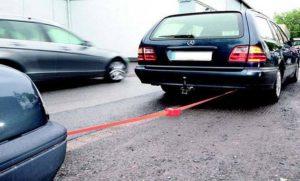 Буксировка автомобиля на гибкой сцепке